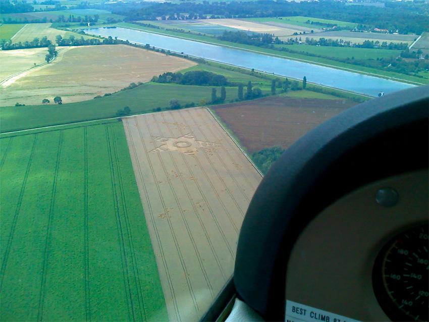 Crop Circle 2011  - Page 11 Allemagne-01e-2b6e5e1